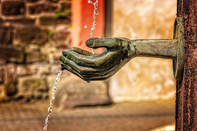 fountain-3412242_640